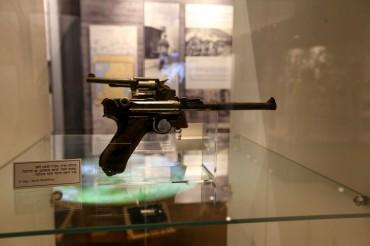 אקדח במוזיאון הרעות באדיבות המועצה לשימור אתרים